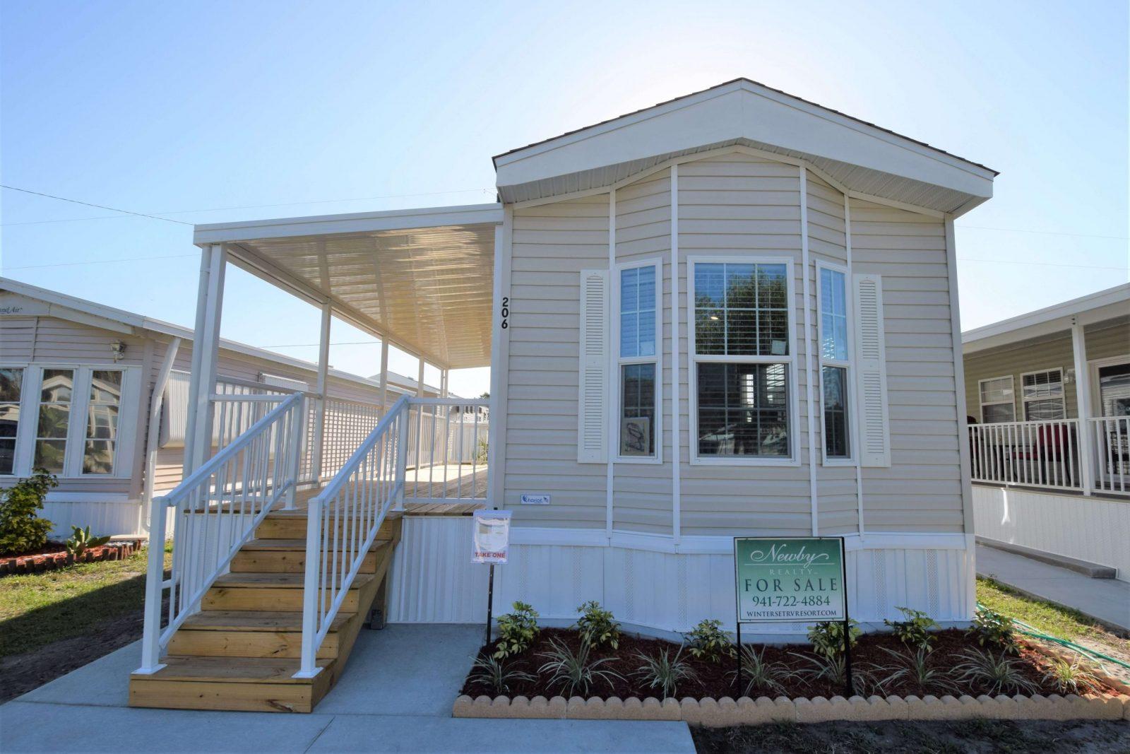 Park Model Home For Sale in Palmetto, Florida